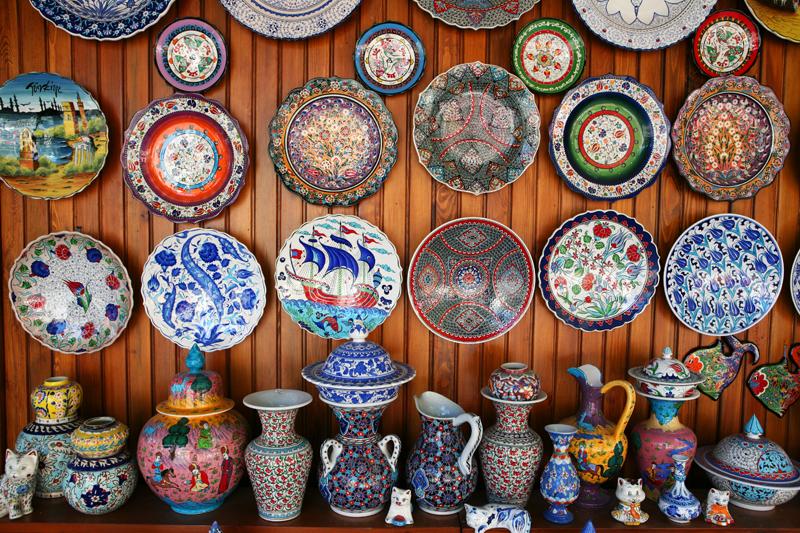 Закупити гуртом товари для магазину посуд,сувеніри,вази,картини